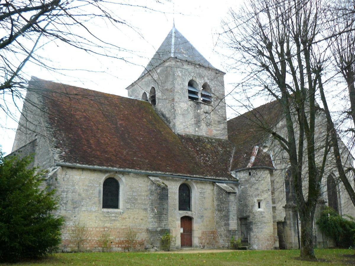 vue de l'église depuis le jardin