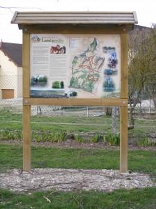 Carte des chemins de randonnées située proche du lavoir