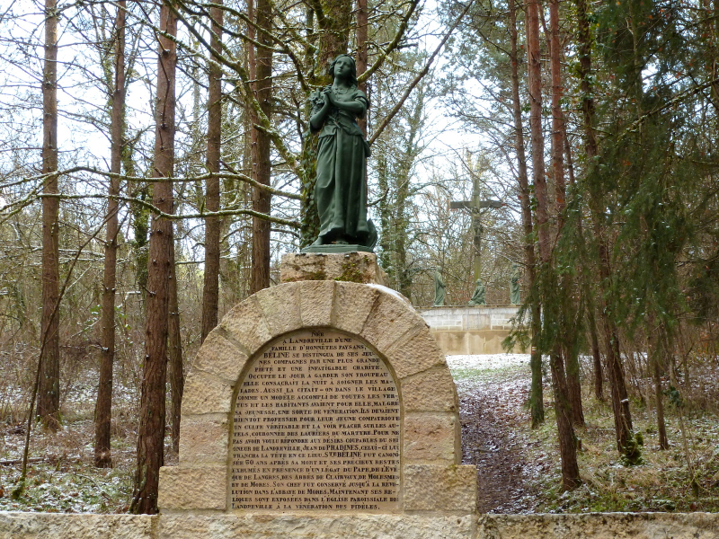 La statue de Sainte Belline